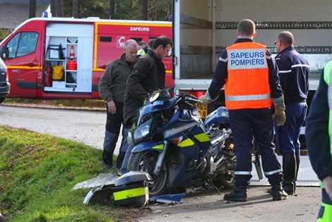 morbihan un motard de la gendarmerie d c de dans un accident de la route aamfg. Black Bedroom Furniture Sets. Home Design Ideas