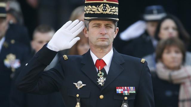 le-directeur-de-la-gendarmerie-denis-favier-sen-va-au-1er-septembre
