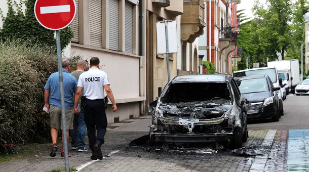 Le parquet a ouvert une information judiciaire pour «destruction par incendie, mise en danger de la vie d'autrui et intrusion dans une enceinte militaire» (photo d'illustration).